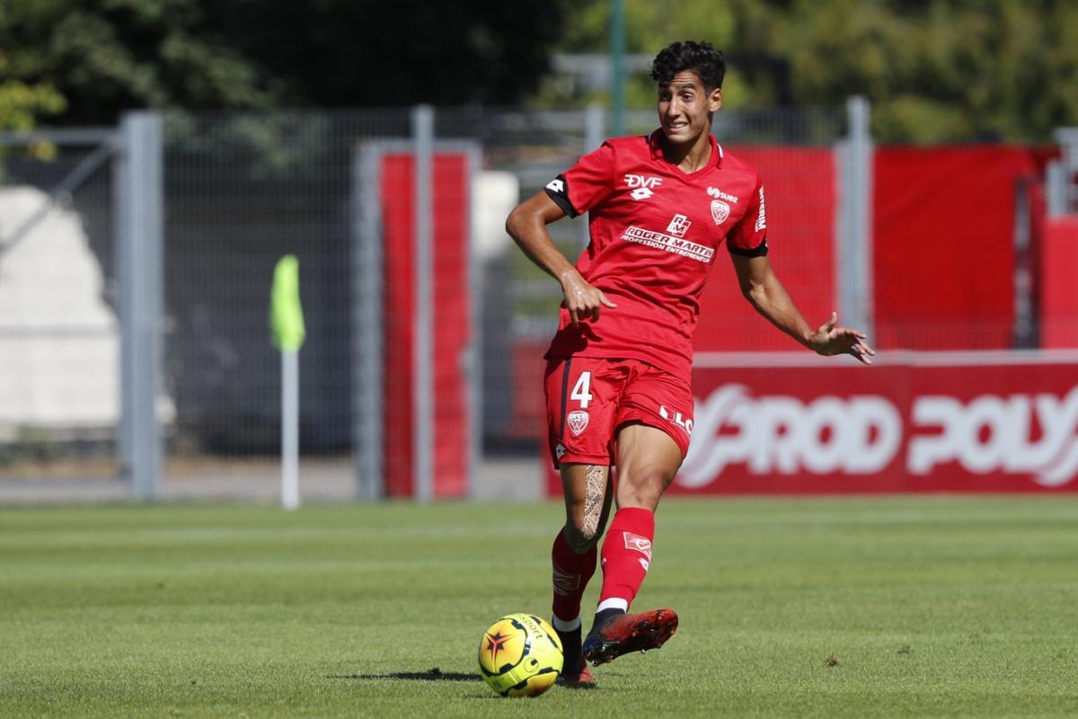 Éliminatoires de la CAN 2022 : Rennes permet à Naïf Aguerd de rejoindre l'équipe nationale