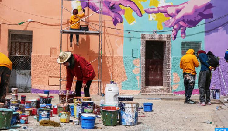 Oujda : des jeunes embellissent la médina avec du Street Art