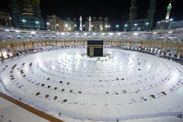 Pèlerinage / Immuninité : 100.000 fidèles à la Mecque au premier jour du Ramadan