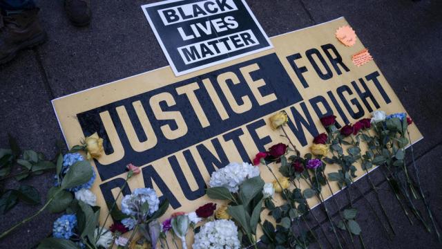 USA / Affaire Daunte Wright : la policière impliquée est inculpée d'homicide involontaire