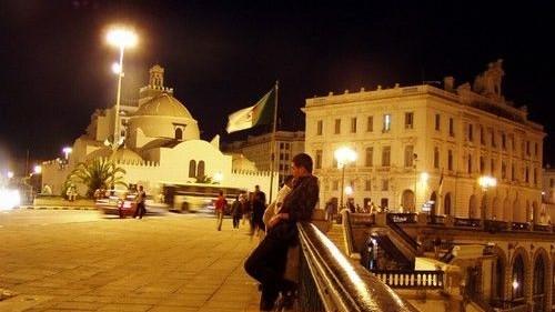 Nuits ramadanesques algériennes: comme si le Covid n'existait plus !