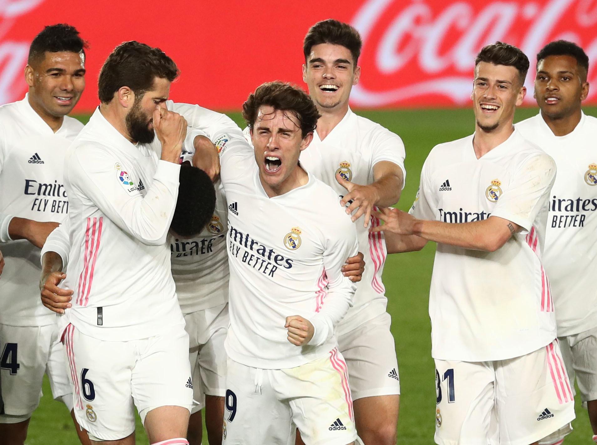 Foot espagnol : Le Real reste accroché à l'Atletico après sa victoire face à Osasuna