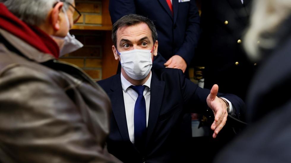 France : le ministre de la Santé plaide pour l'ouverture de la vaccination
