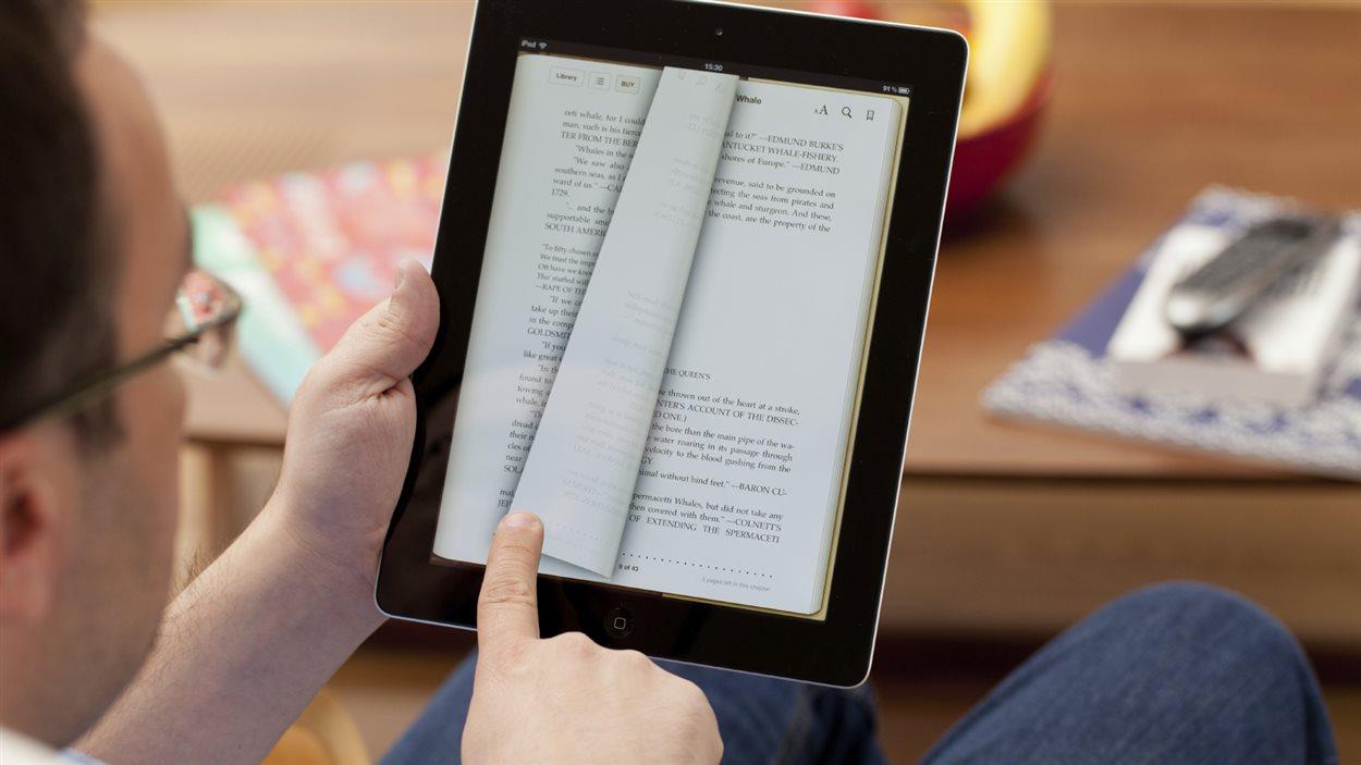 Entre livre et lecture: La réalité numérique transforme le livre en mythe