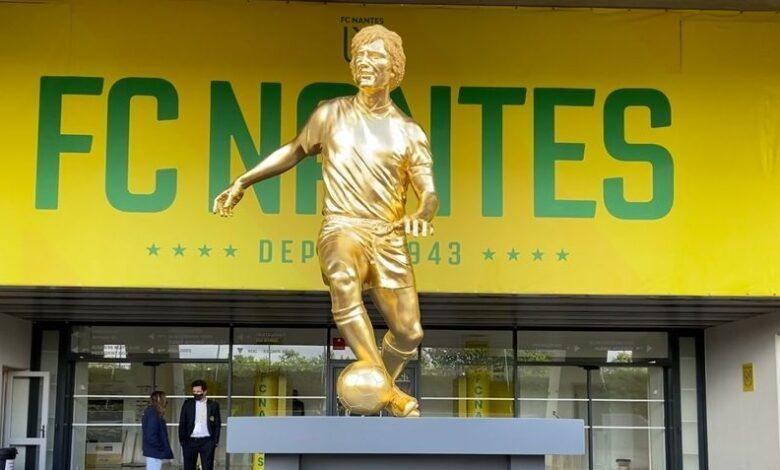 Hommage posthume à Henri Michel :  Une statue de bronze de 460 kg, recouverte de feuilles d'or