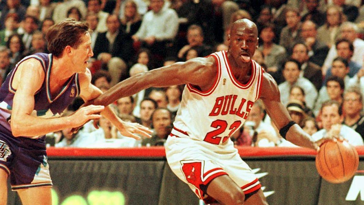 Les baskets de Michael Jordan pendant sa saison de rookie vendues 152.500 dollars