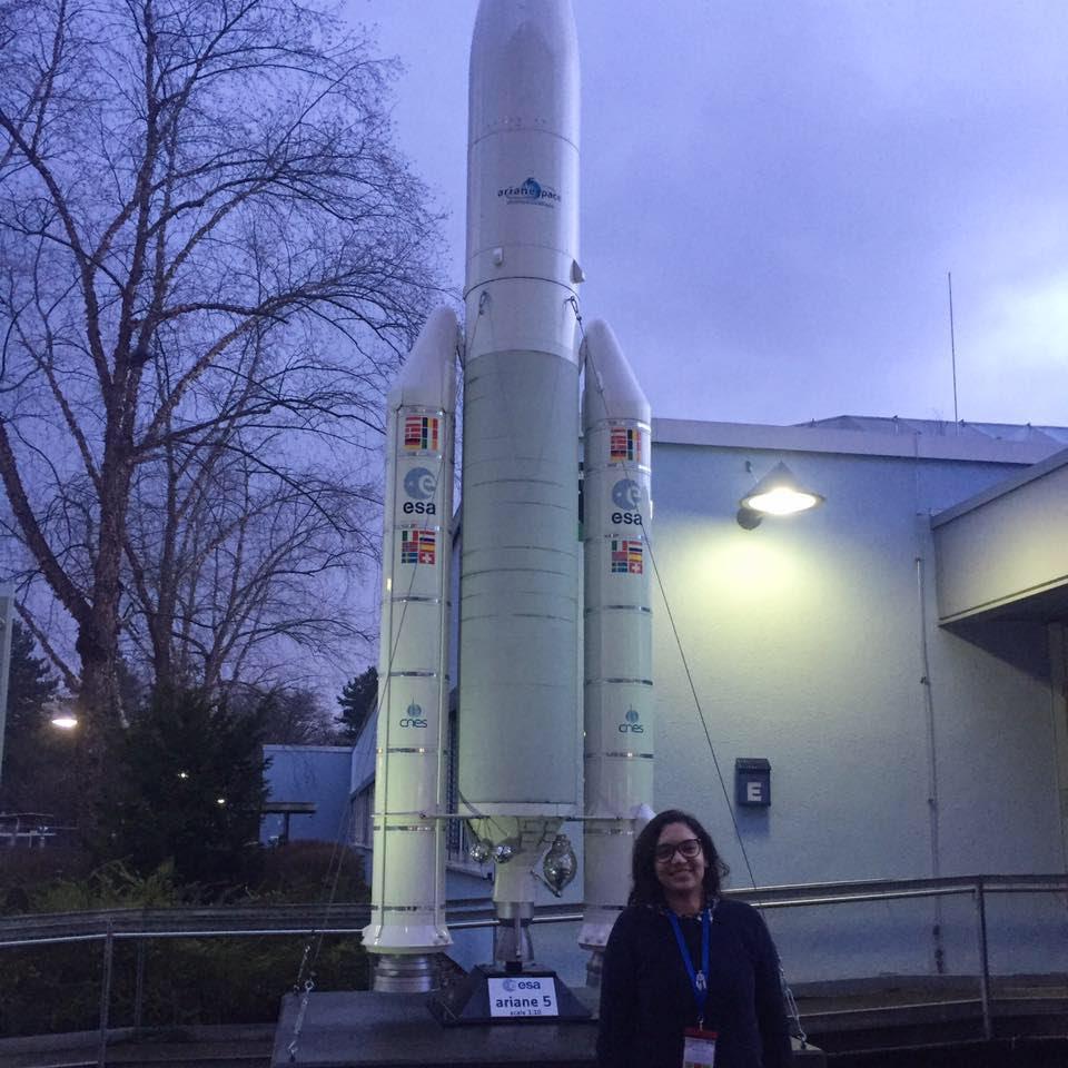 """[Interview] avec Imane El khantouti, """"Avec les nano satellites, le risque d'encombrement dans l'espace se pose avec acuité"""""""