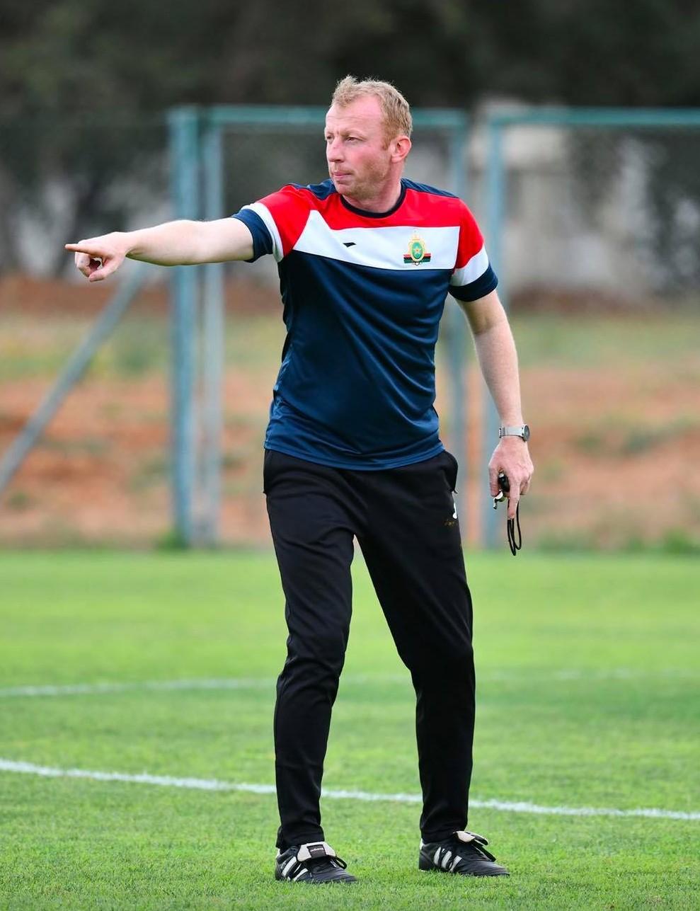 Respect des règlements : Le bel exemple de Sven Vandenbroeck, coach des FAR !