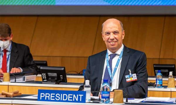 L'ambassadeur représentant permanent du Maroc auprès des Nations Unies et des autres Organisations Internationales à Genève, Omar Zniber.