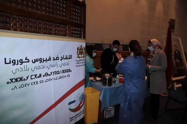 Covid-19: les centres de vaccination ouverts le dimanche