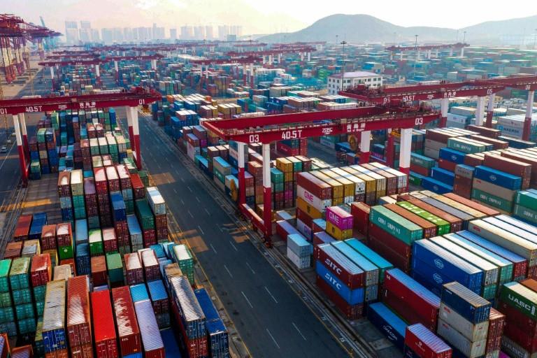 Le but des sanctions est de restreindre l'exportation, la réexportation et le transfert d'articles à des entités chinoises.