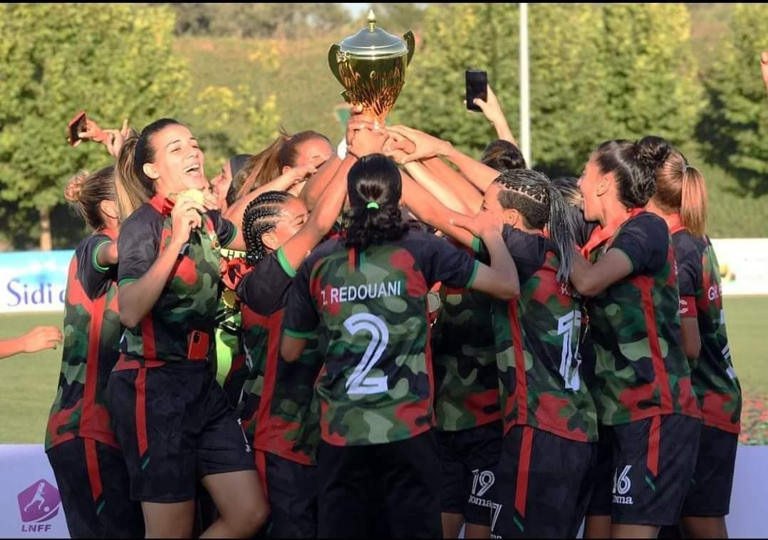 Foot féminin : L'AS FAR championne de la première saison professionnelle
