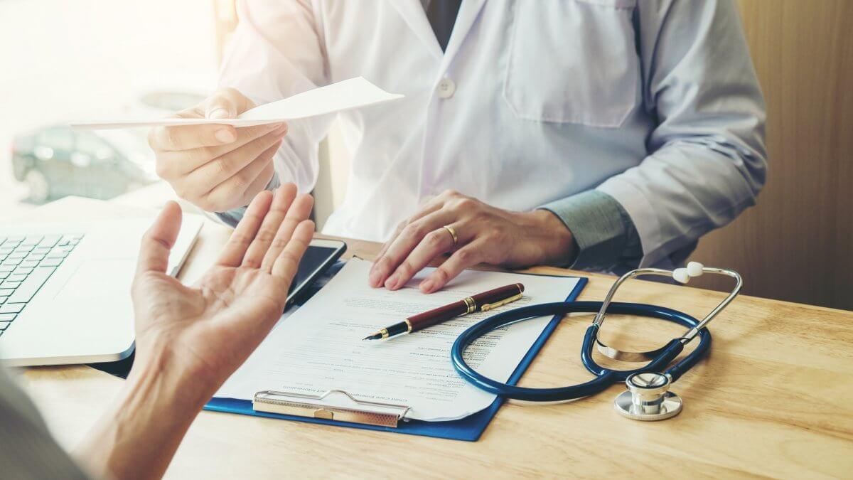 La lisibilité des ordonnances médicales est désormais exigée