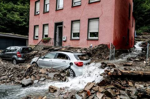 Inondations en Europe: L'Allemagne paie un lourd tribut