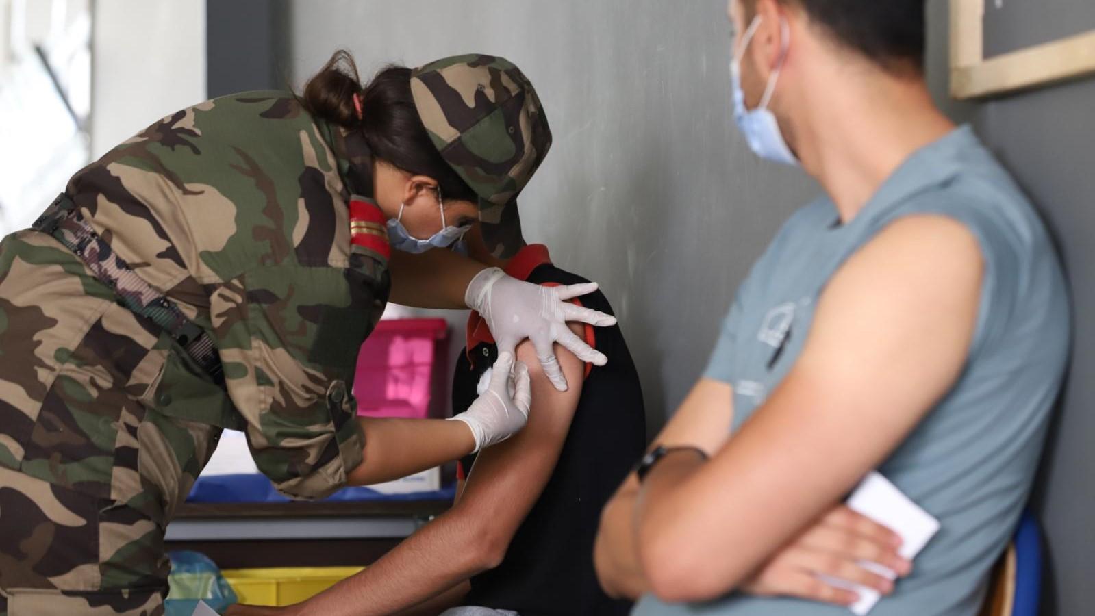 Des équipes médicales militaires appelées en renfort dans la campagne de vaccination