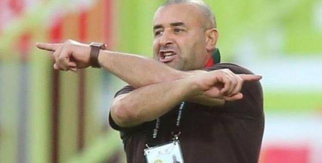 Botola Pro D1 : Le DHJ renouvèle sa confiance en Abdelhak Benchikha