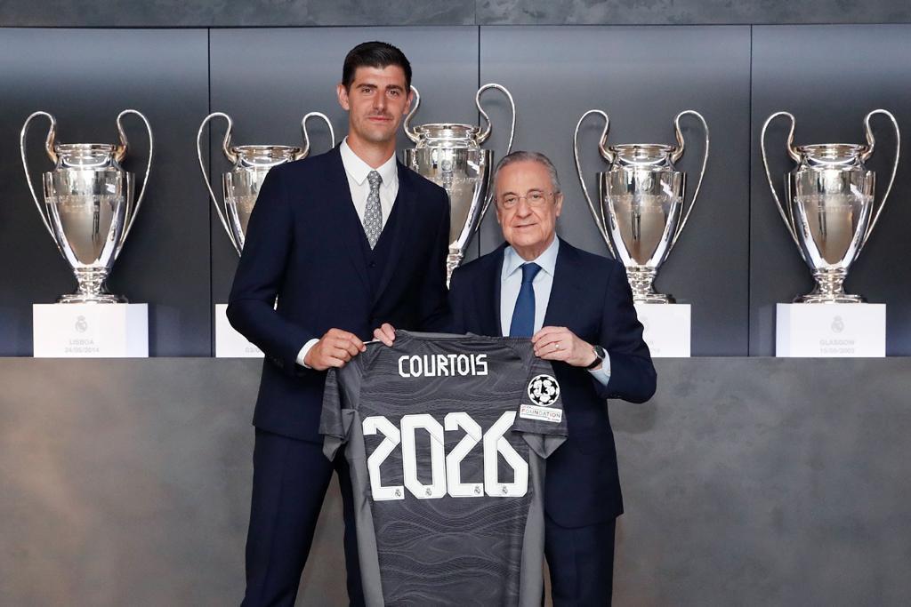Real Madrid : Thibaut Courtois prolonge jusqu'à 2026