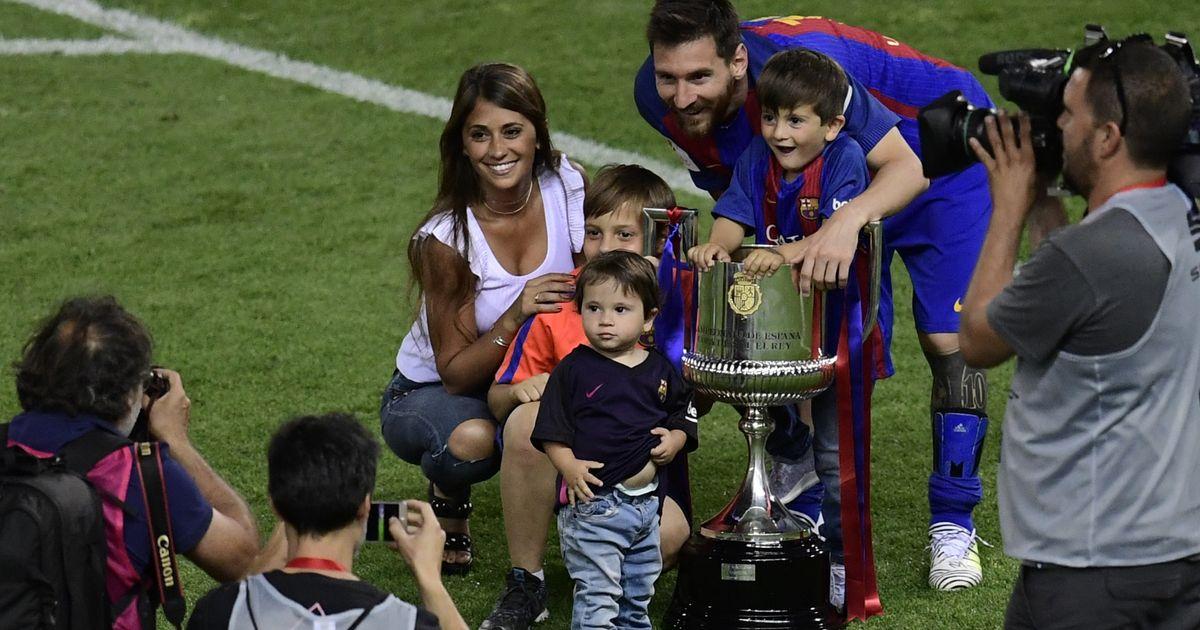 Madame Messi : Antonella est influenceuse à la maison et sur les réseaux sociaux !
