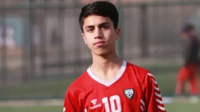 Afghanistan-Talibans : Un jeune footballeur international afghan se tue en tombant d'un avion militaire américain