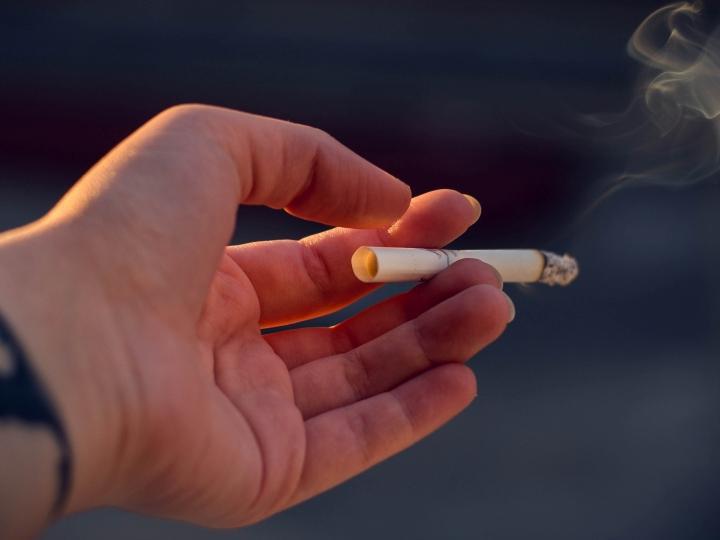 Un décret fixe les taux des produits chimiques dans les cigarettes