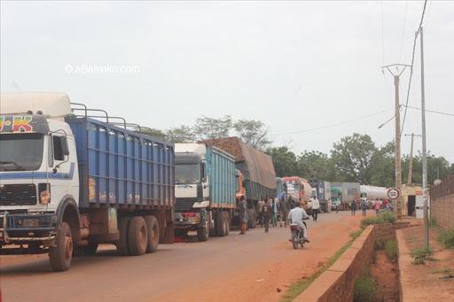 Mali : Deux camionneurs marocains tués et un autre blessé par des éléments armés