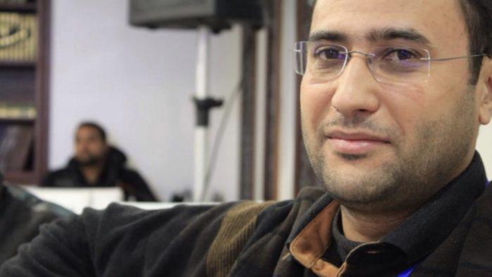 Interview avec Younes Masskine : Guide pour une meilleure relation entre politiques et médias