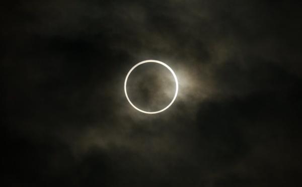 """L'éclipse solaire """"cercle de feu"""" de ce dimanche ne sera pas visible depuis le Maroc"""