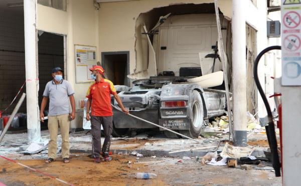Accident d'un camion-citerne, digne des films hollywoodiens
