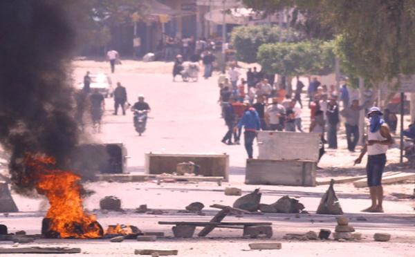 Tunisie : Poursuite des affrontements après le décès d'un jeune manifestant