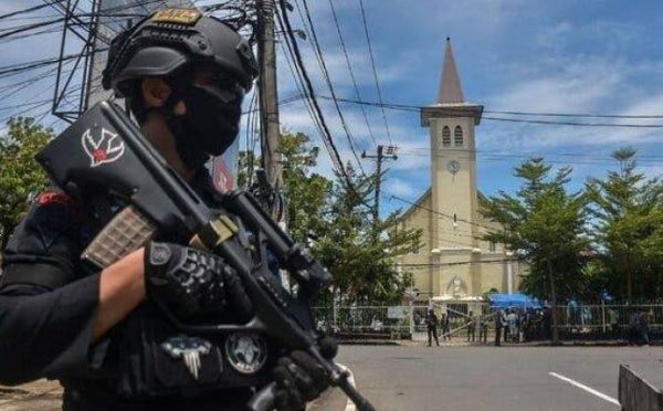Indonésie : 14 blessés dans une attaque-suicide dans une cathédrale