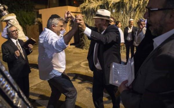 Les villes israéliennes se préparent à célébrer la Fête du Trône