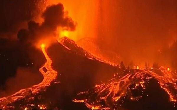 Volcan en éruption aux Canaries : évacuation massive de la population locale