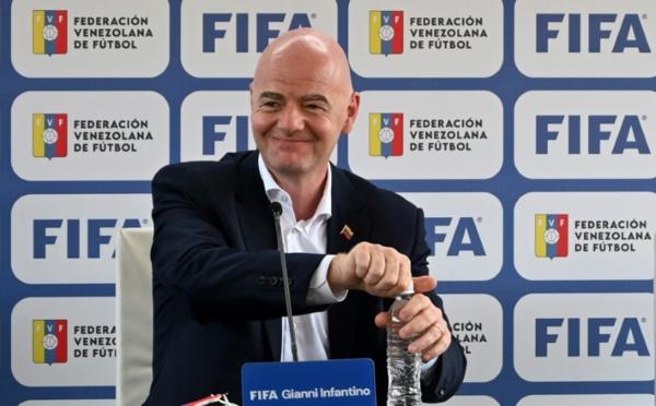 "Mondial biennal / Infantino: ""Que le football soit vraiment global"""