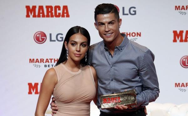 Ronaldo : Un chèque de 80 000€ à sa campagne Georgina à la fin de chaque mois !