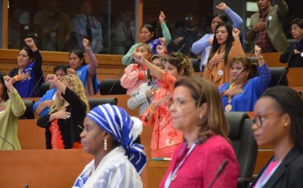 Egalité de genre : La participation des femmes à la vie politique progresse, les inégalités persistent