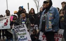 Etats-Unis : les manifestations éclipsent la pandémie qui menace de résurgence